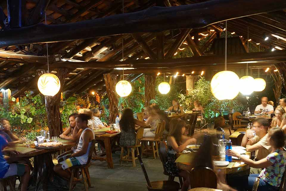 A pleasant and warm ambiance to enjoy your dining experience